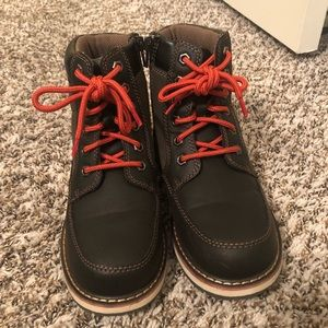 Boys Winter Boots 🥾 Size 2Y